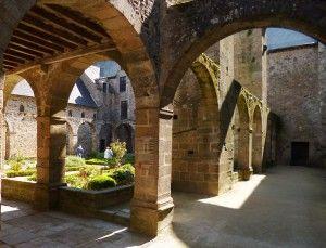 4 - Cloitre Abbaye