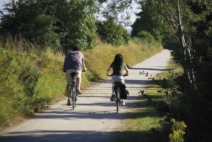 the greenway cycle way and footpath stratford upon avon warwickshire