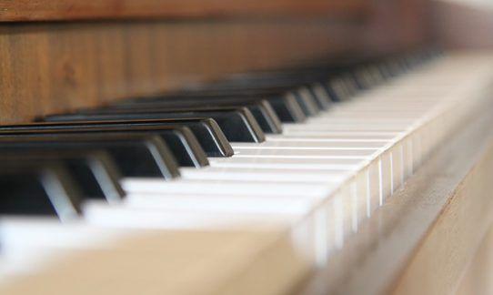 piano-623182_640